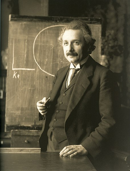 456px-Einstein_1921_by_F_Schmutzer_-_restoration.jpg